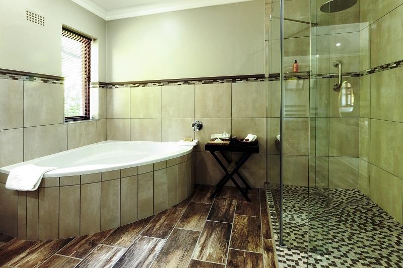 Wilderness Manor Bathroom