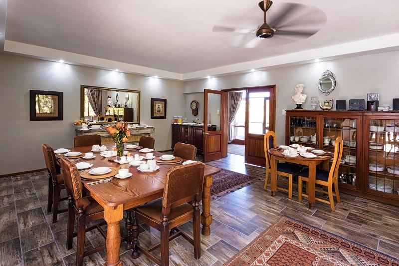 Wilderness Manor Breakfast Room