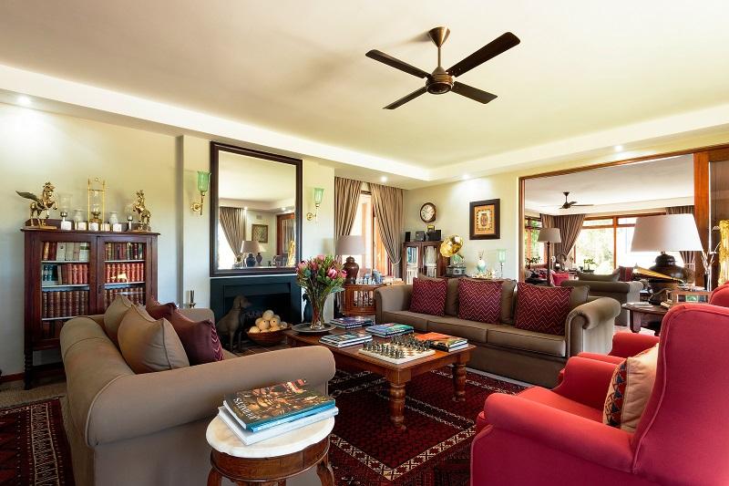 Wilderness Manor Lounge